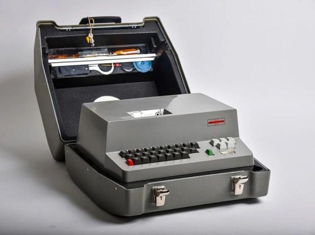 El modelo H-460, de 1967, fue el primero de la empresa suiza que contó con diseño interno de la NSA. (Jahi Chikwendiu/The Washington Post)