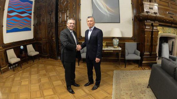 Alberto Fernández y Mauricio Macri en su primer encuentro post elecciones del 27 de octubre.