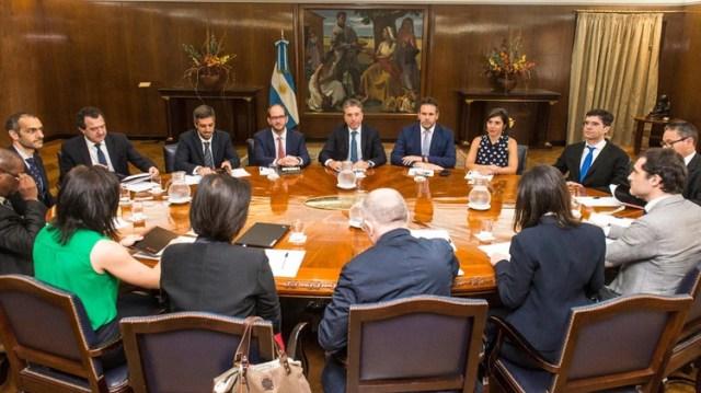 El equipo de Hacienda y Banco Central en el último encuentro con los representantes del FMI