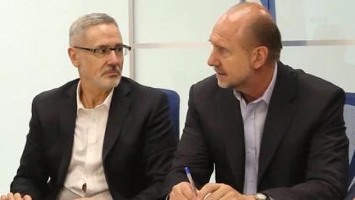 El gobernador de Santa Fe, Omar Perotti, junto a Marcelo Sain (NA)