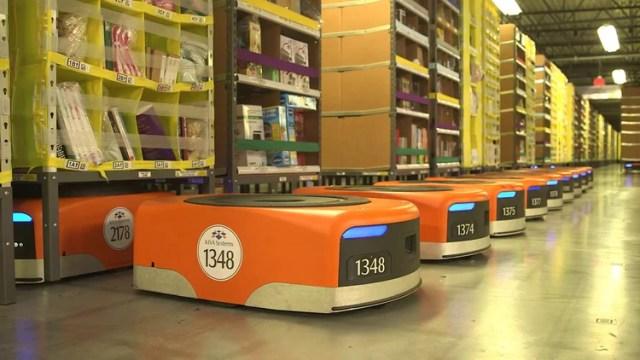 Amazon cuenta con 100 mil robots en sus depósitos de productos (Foto: Archivo)
