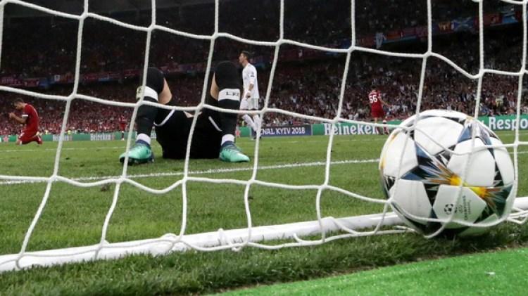 (EFE) Benzema y Bale fueron protagonistas en los errores del arquero