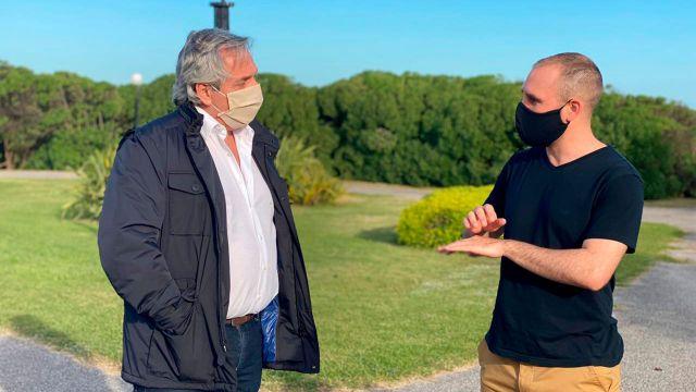 Alberto Fernandez y Martin Guzman en Chapadmalal