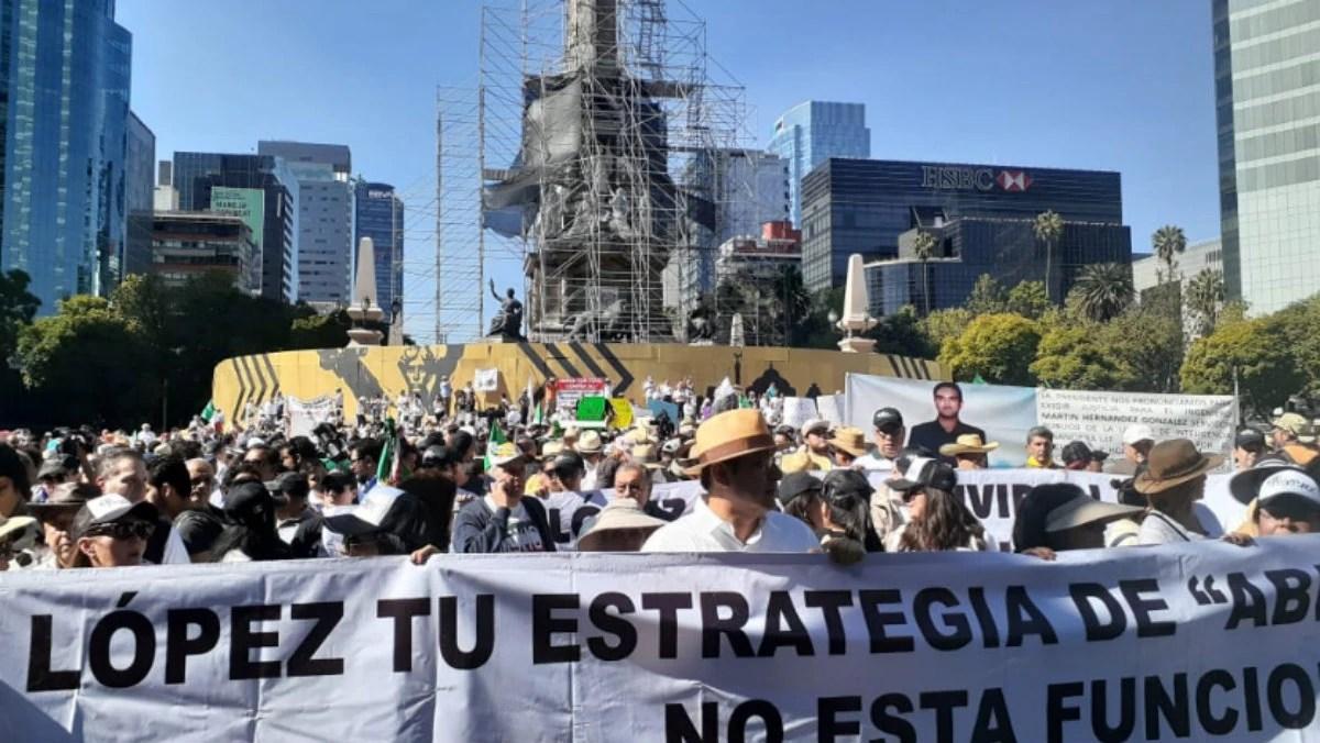 La familia LeBarón, Marko Cortés y Margarita Zavala: los tres frentes de la marcha anti-AMLO