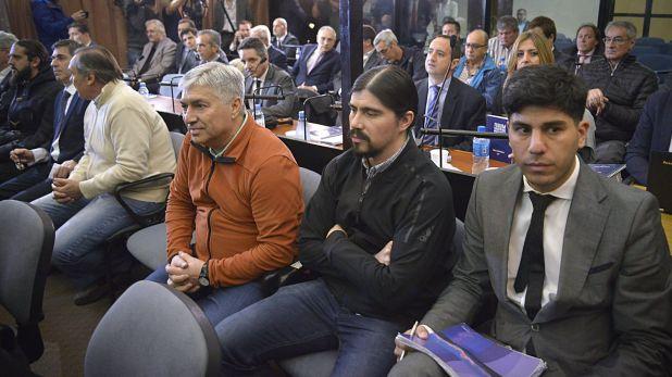 """Lázaro y Martín Báez en la primera audiencia del juicio por la """"Ruta del dinero K"""""""