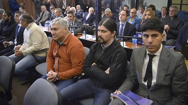 """Lázaro y Martín Báez en una audiencia del juicio por la """"Ruta del dinero K"""""""