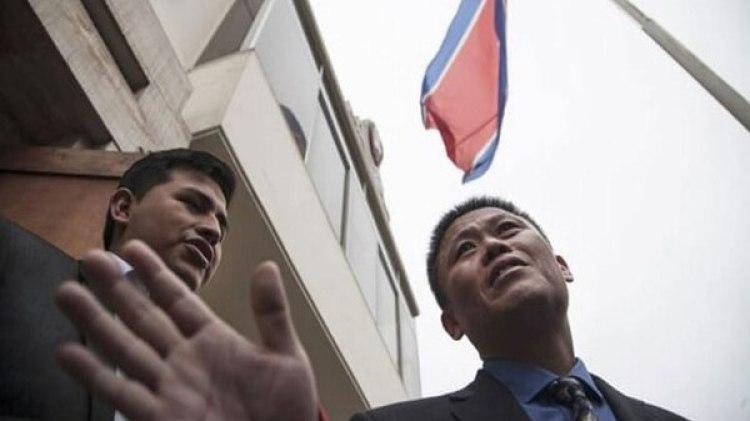 Pak Myong Chol, cuando todavía era primer secretario de la embajada de Corea del Norte en Perú.