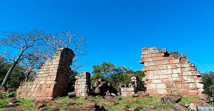 Iglesias destruidas en Argentina