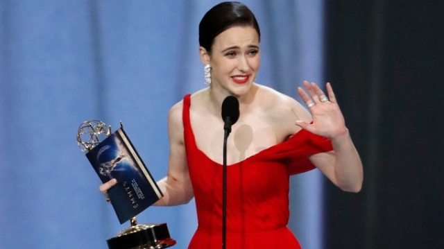 "Rachel Brosnahan, actriz de ""The Marvelous Mrs. Maisel"""