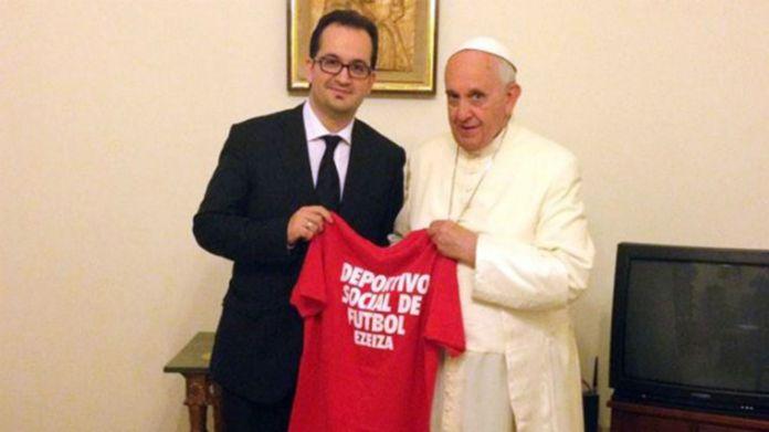 Roberto Carles con Evo Morales y el Papa Francisco