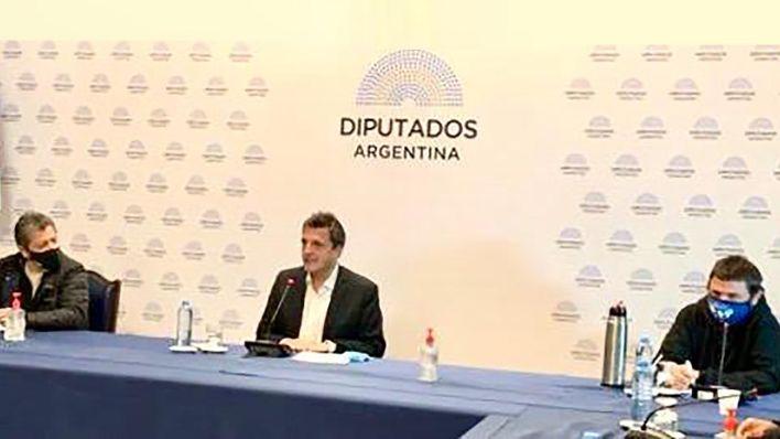 Gerardo Martínez, Sergio Massa y Juan Grabois, en la reunión de sindicatos y movimientos sociales en la Cámara de Diputados