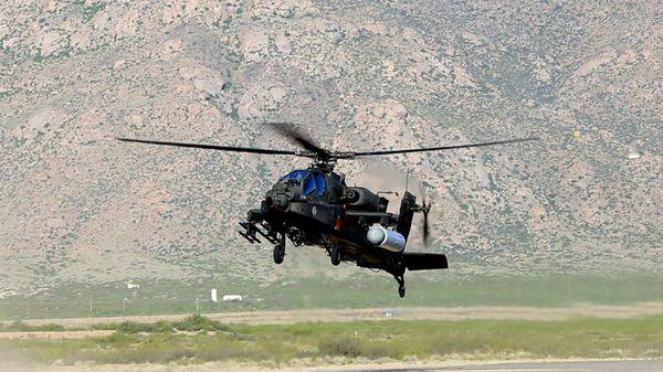 El Apache que se utilizó para la prueba en el desierto de Nuevo México (Raytheon)
