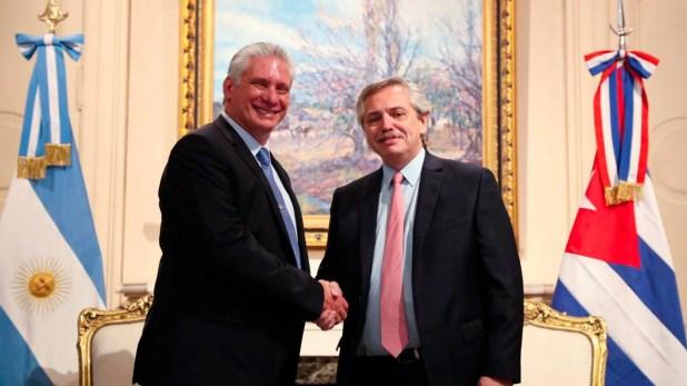 Alberto Fernández y el presidente de Cuba, Miguel Díaz-Canel, durante su encuentro en la Casa Rosada