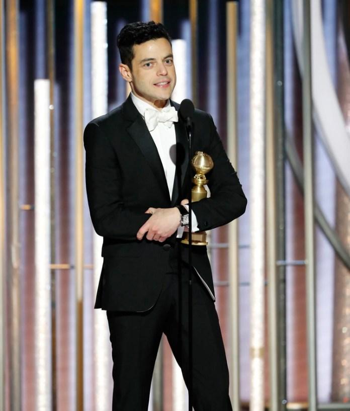 """Rami Malek, con su premio al mejor actor de drama por su interpretación de Freddie Mercury en """"Bohemian Rhapsody"""" (Paul Drinkwater/NBC Universal/Handout vía REUTERS)"""