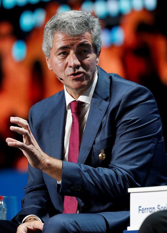 Foto de archivo del CEO de Atlético de Madrid, Miguel Angel Gil Marin, durante una conferencia en Dubai. 2 de enero de 2019. REUTERS/Satish Kumar
