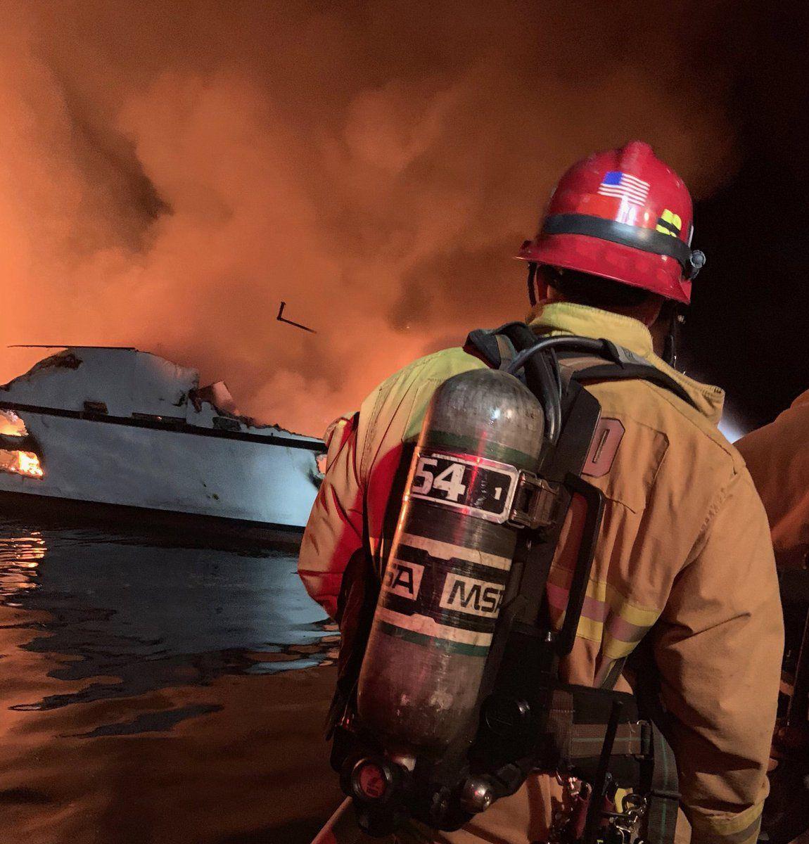 (foto: Departamento de Bomberos del condado de Ventura)