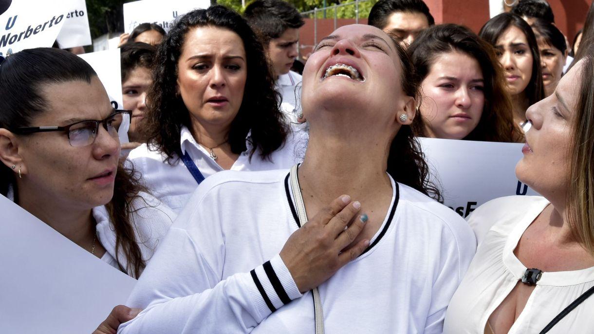 Norelia Hernández, la madre de Norberto Ronquillo, durante una marcha en la Ciudad de México (Foto: Cuartoscuro)