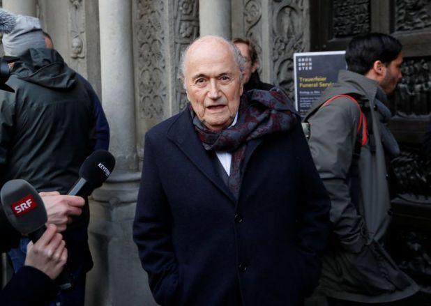 Foto de archivo del expresidente de la FIFA Sepp Blatter llegando a una ceremonia en una iglesia en Zurich.  Dic 13, 2019.    REUTERS/Arnd Wiegmann