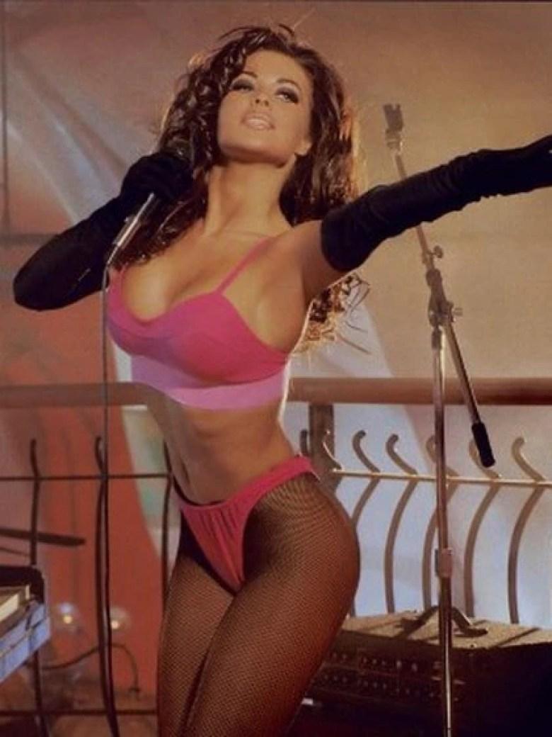 Carmen Electra en su sesión de mayo de 1996 para Playboy
