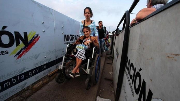 Cerca de dos millones de venezolanos han escapado de la crisis en su país (AFP)