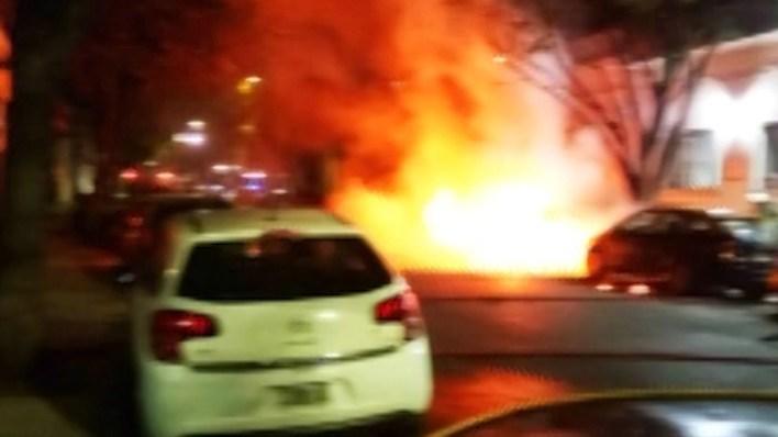 Autos quemados en Villa Crespo