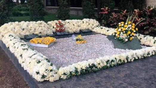 Hoy, casi tres décadas después de su muerte, la tumba de Pablo Escobar sigue siendo lugar de peregrinación.