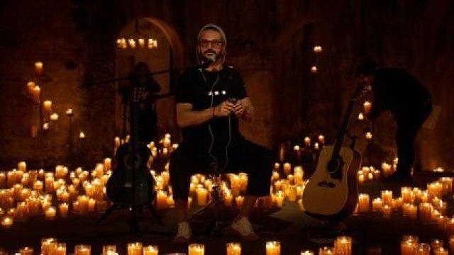 """""""Yo nunca voy a volver a estar en una ruina histórica con 5000 velas, sin luces artificiales y con 30 músicos, cantando. Eso no va a volver a pasar"""", aseguró Ricardo Arjona"""