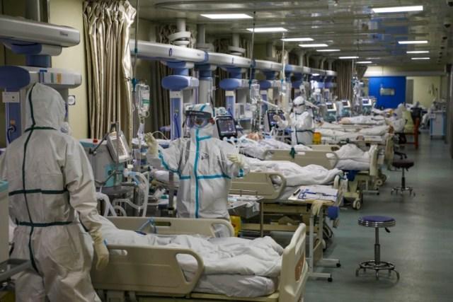 """Un científico del Instituto Pasteur de Francia advirtió sobre una investigación de Shi: """"Si el nuevo virus se filtrara, nadie podría predecir su trayectoria"""". (China Daily via REUTERS)"""