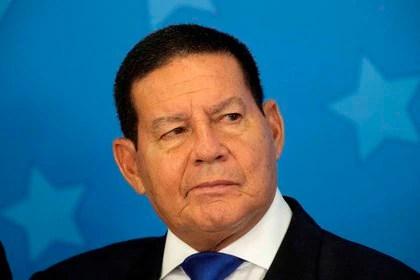 En la imagen un registro del vicepresidente de Brasil, Hamilton Mourao (EFE/Joédson Alves/Archivo)