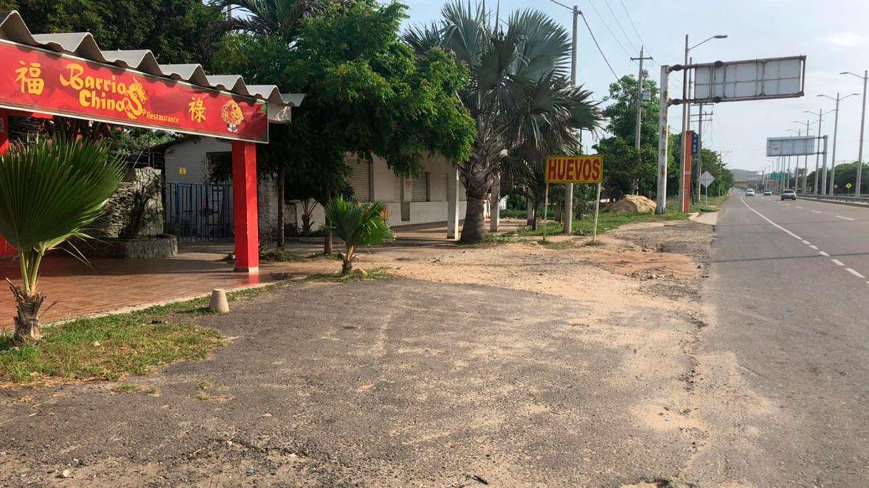Según los presentes esa madrugada, en esta calle, ocurrió el episodio de la persecución de los perros.
