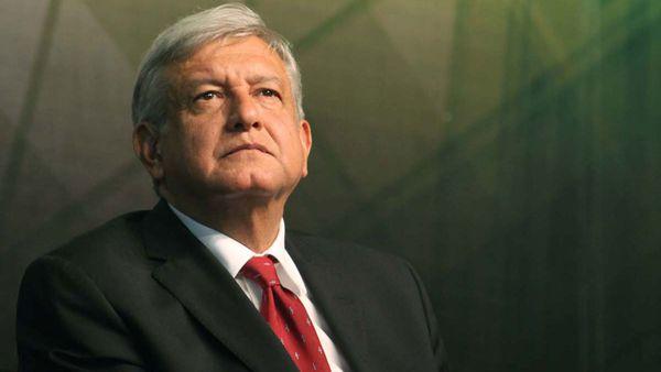 Andrés Manuel López Obrador, el principal dirigente opositor que puntea las encuestas para las presidenciales de 2018.