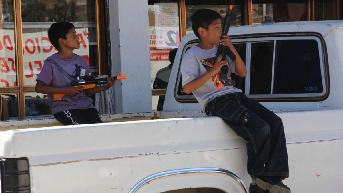 Los menores son reclutados por los cárteles para formar parte de sus filas como sicarios (Foto ilustrativa: Cuartoscuro)