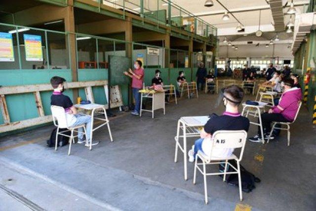 Clases presenciales en una escuela de Monte Castro (Foto: Maximiliano Luna)
