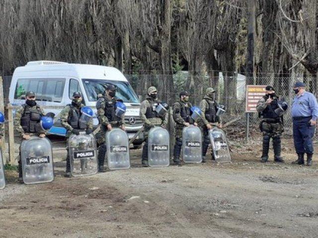 La Policía de Río Negro trajo efectivos de otras partes de la provincia para reforzar la seguridad en el campo usurpado