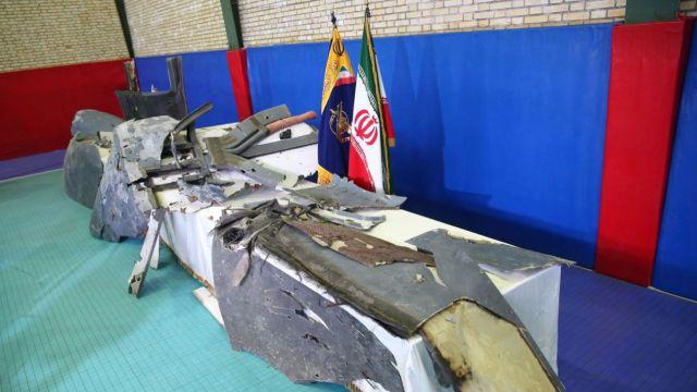 El régimen iraní solo permitió a las agencias oficiales participar del encuentro donde mostraron los supuestos restos del drone norteamericano(Reuters)