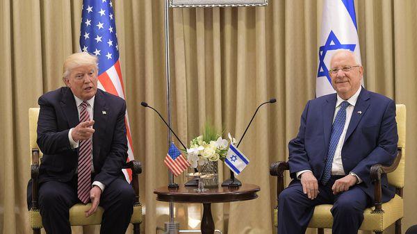 El presidente de Estados Unidos, Donald Trump, y e Israel, Reuven Rivlin (AFP)