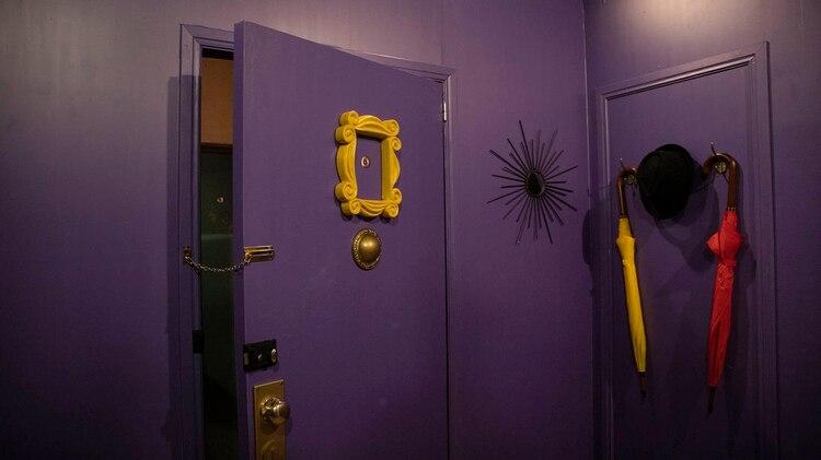 La puerta violeta, idéntica a la de la casa de Monica