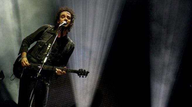 Gustavo Cerati durante el recital del viernes 19 de octubre. (Foto: Damián Benetucci – sodastereo.com)