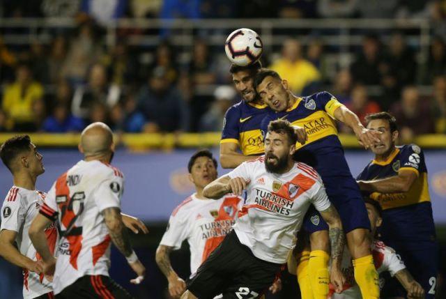 Carlitos fue titular en la victoria ante River en la Bombonera pero a Boca no le alcanzó (REUTERS/Agustín Marcarián)