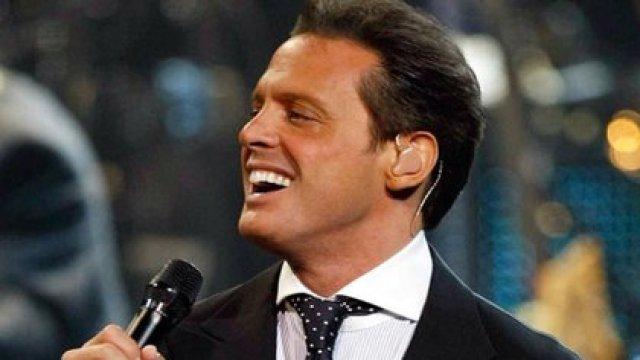 A causa de la enfermedad Luis Miguel suspendió varios conciertos en la Ciudad de México.
