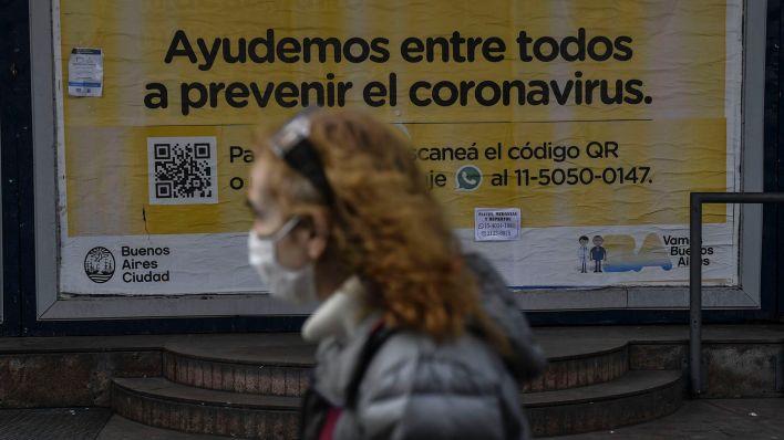 gente en la calle cuarentena coronavirus 19 de julio