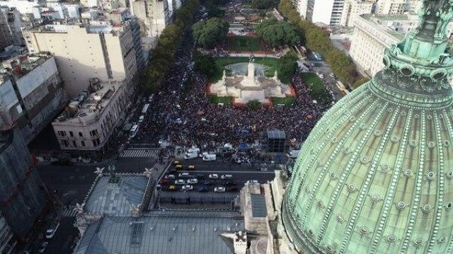 Los manifestantes pidieron que los legisladores voten en contra del proyecto de ley
