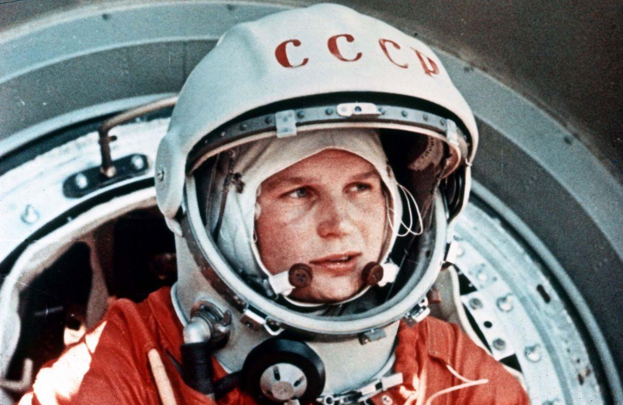 Valentina Tereshkova, la primera mujer en viajar al espacio, a bordo del Vostok 6, en junio de 1963.