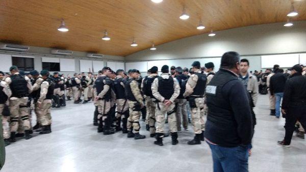 400 efectivos participaron de los operativos que incluyeron la casa de Medina, la sede de la UOCRA en La Plata y la empresa Abril Catering, en Puerto Madero