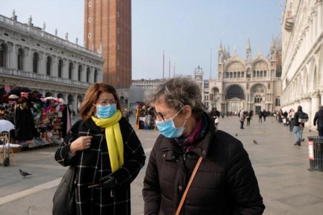 En pocos días, el virus causó al menos siete muertos en Italia, aunque la mayoría son pacientes ancianos o con enfermedades terminales (Reuters)