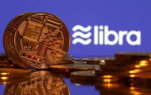 Representaciones de moneda virtual y logo de Libra(Reuters)