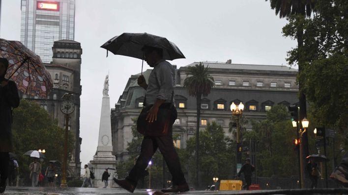 Para el centro del país rige una alerta meteorológica por lluvias y tormentas