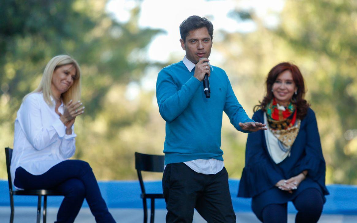 Axel Kicillof en el cierre de campaña junto a Verónica Magario y Cristina Kirchner (Nicolás Aboaf)