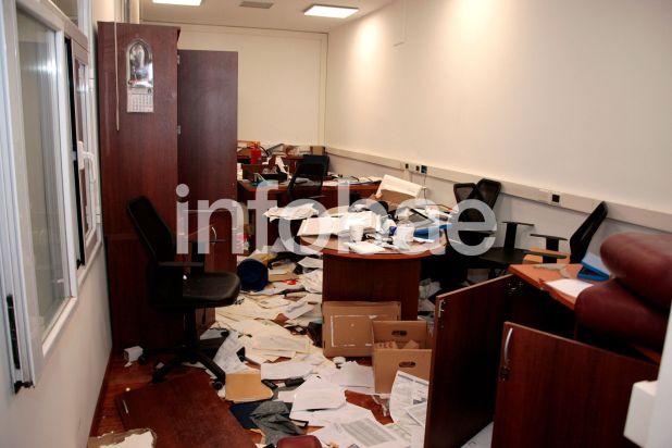 Así quedó parte de la sede de la UTA después de los graves incidentes durante la marcha contra Roberto Fernández