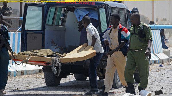 Las víctimas del última ataque en Mogadiscio (AFP)
